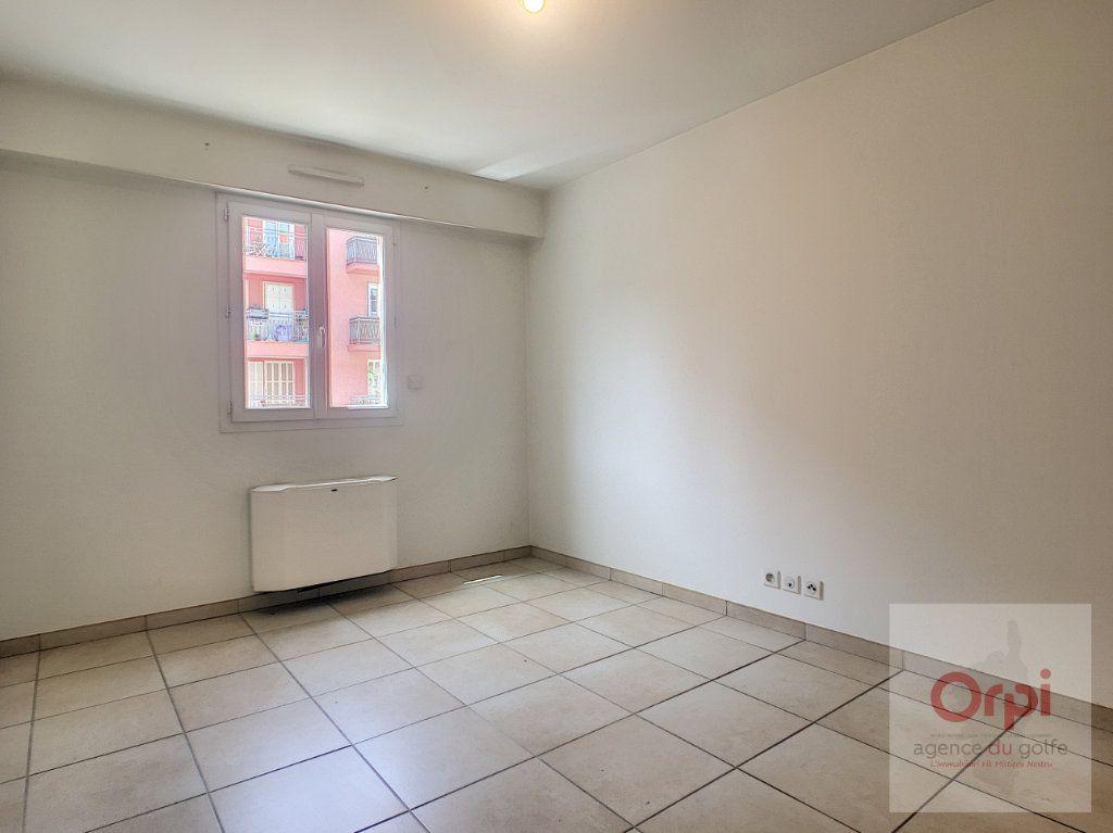 Appartement à louer 2 56m2 à Ajaccio vignette-7
