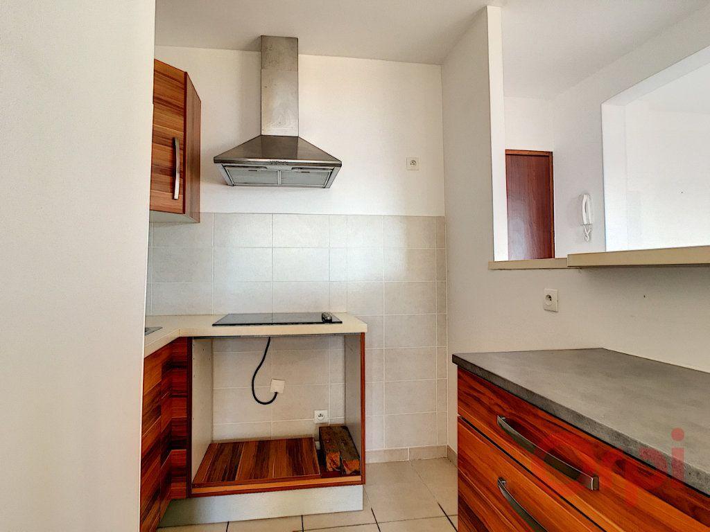 Appartement à louer 2 46m2 à Ajaccio vignette-4