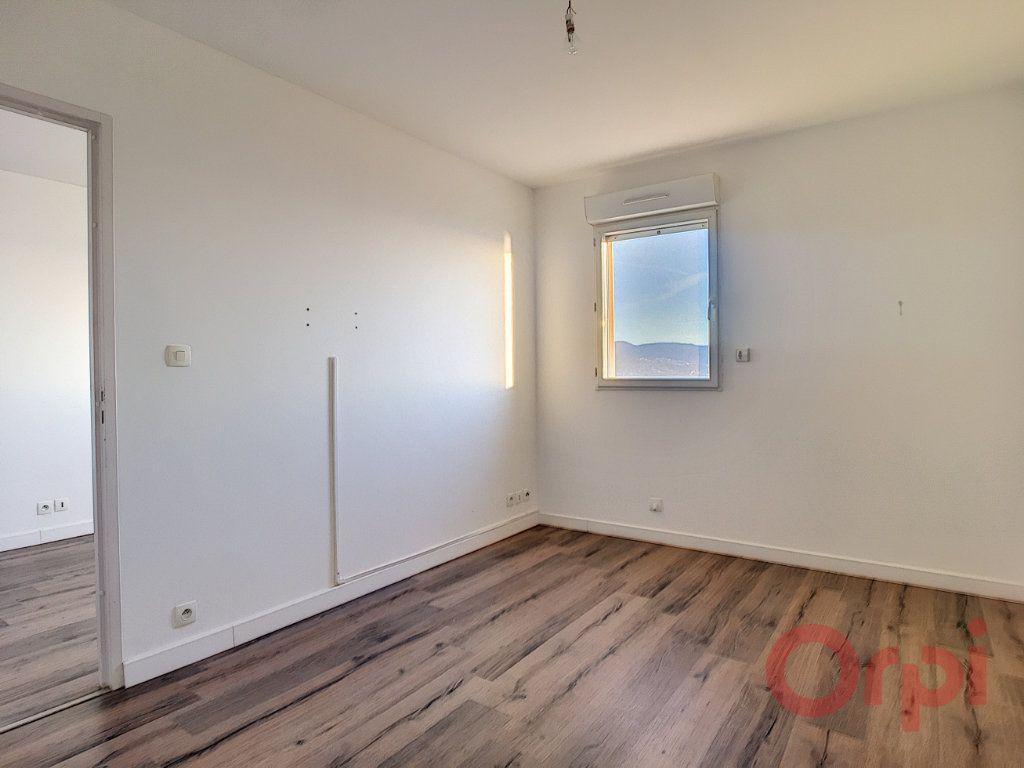 Appartement à louer 2 46m2 à Ajaccio vignette-5