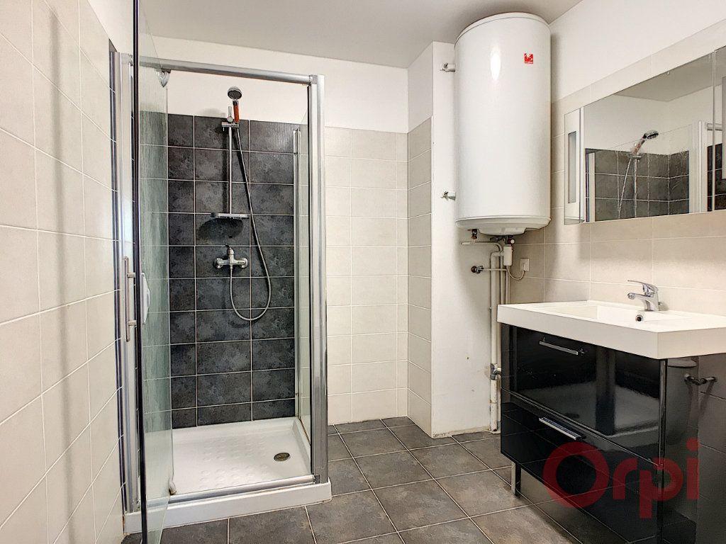 Appartement à louer 2 46m2 à Ajaccio vignette-6