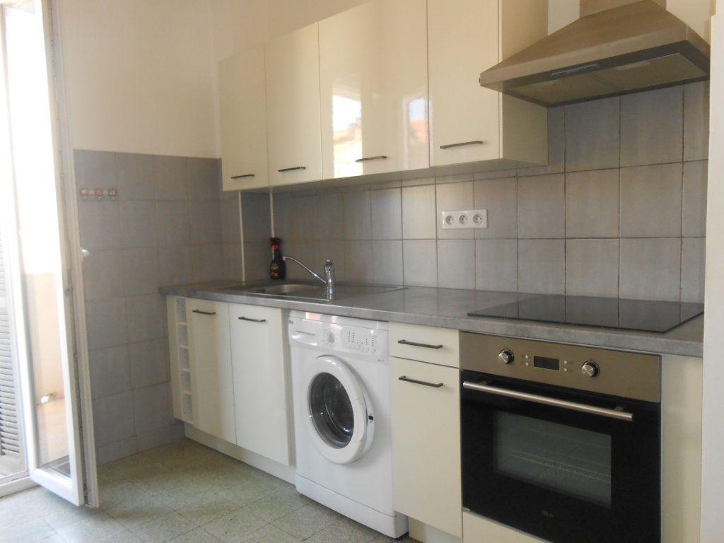 Appartement à louer 3 60m2 à Ajaccio vignette-1