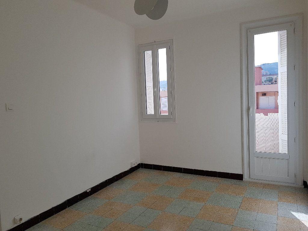 Appartement à louer 3 66m2 à Ajaccio vignette-5