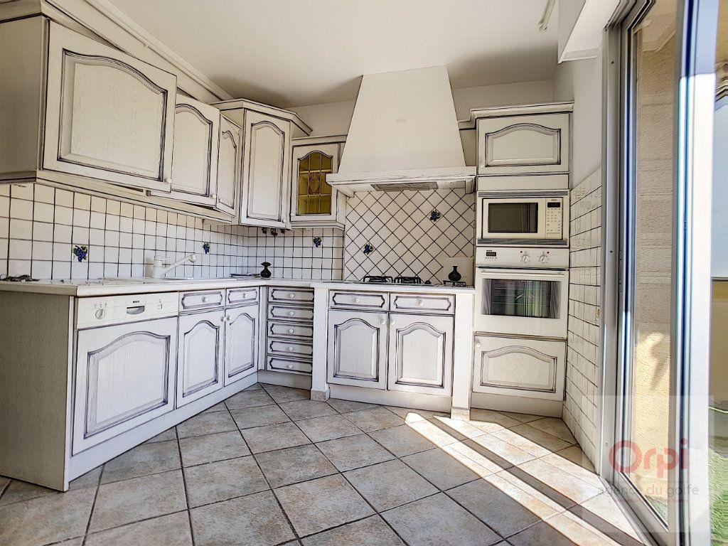 Appartement à louer 3 74m2 à Ajaccio vignette-2