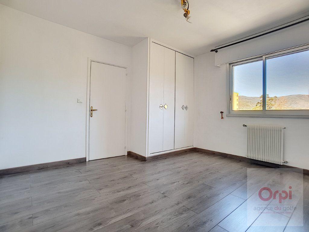 Appartement à louer 3 74m2 à Ajaccio vignette-5