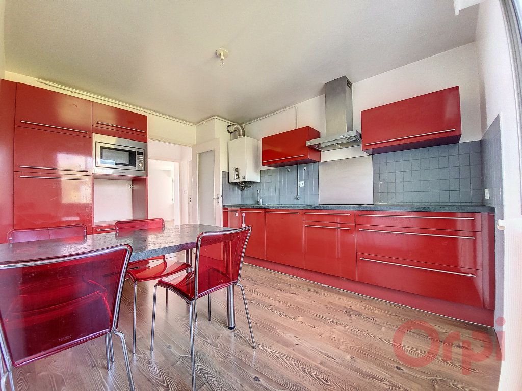 Appartement à louer 4 103.4m2 à Ajaccio vignette-4