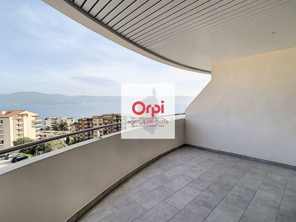Appartement à vendre 3 97m2 à Ajaccio vignette-2
