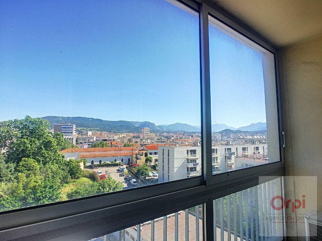 Appartement à louer 2 36.7m2 à Ajaccio vignette-1
