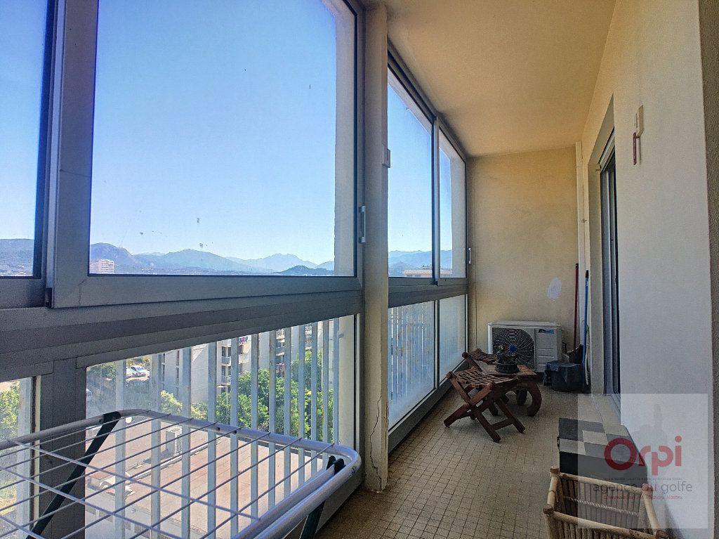 Appartement à louer 2 36.7m2 à Ajaccio vignette-2