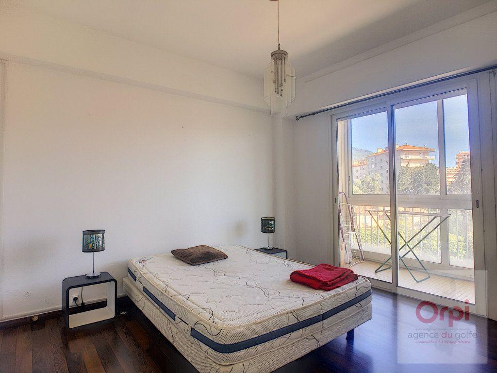Appartement à louer 2 36.7m2 à Ajaccio vignette-4