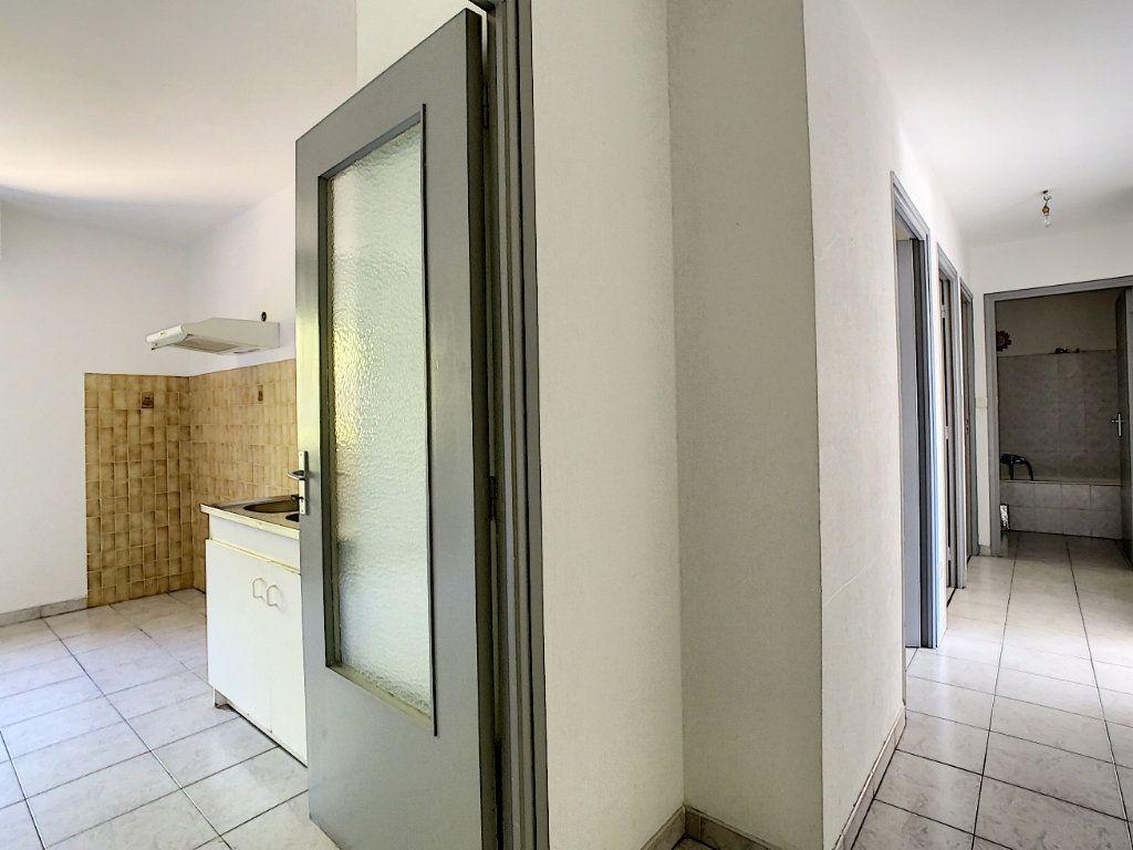 Appartement à vendre 3 65.51m2 à Ajaccio vignette-4