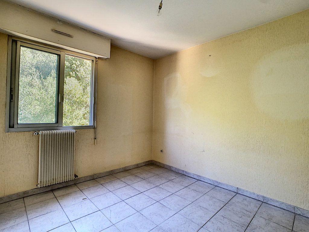 Appartement à vendre 3 65.51m2 à Ajaccio vignette-7