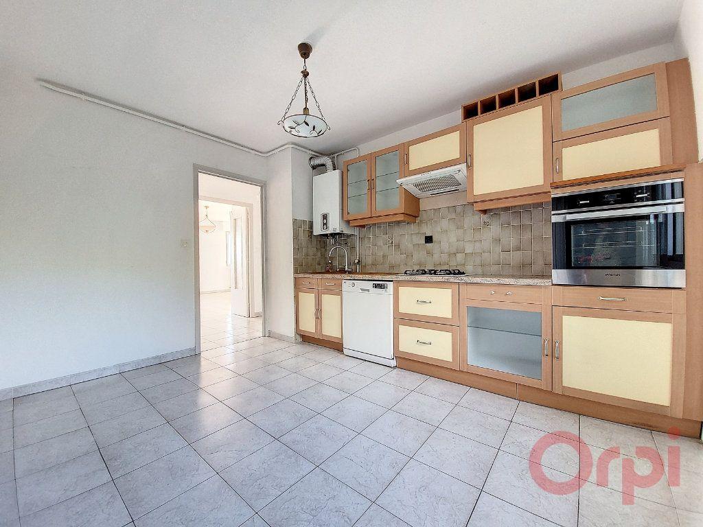 Appartement à louer 3 86m2 à Ajaccio vignette-3