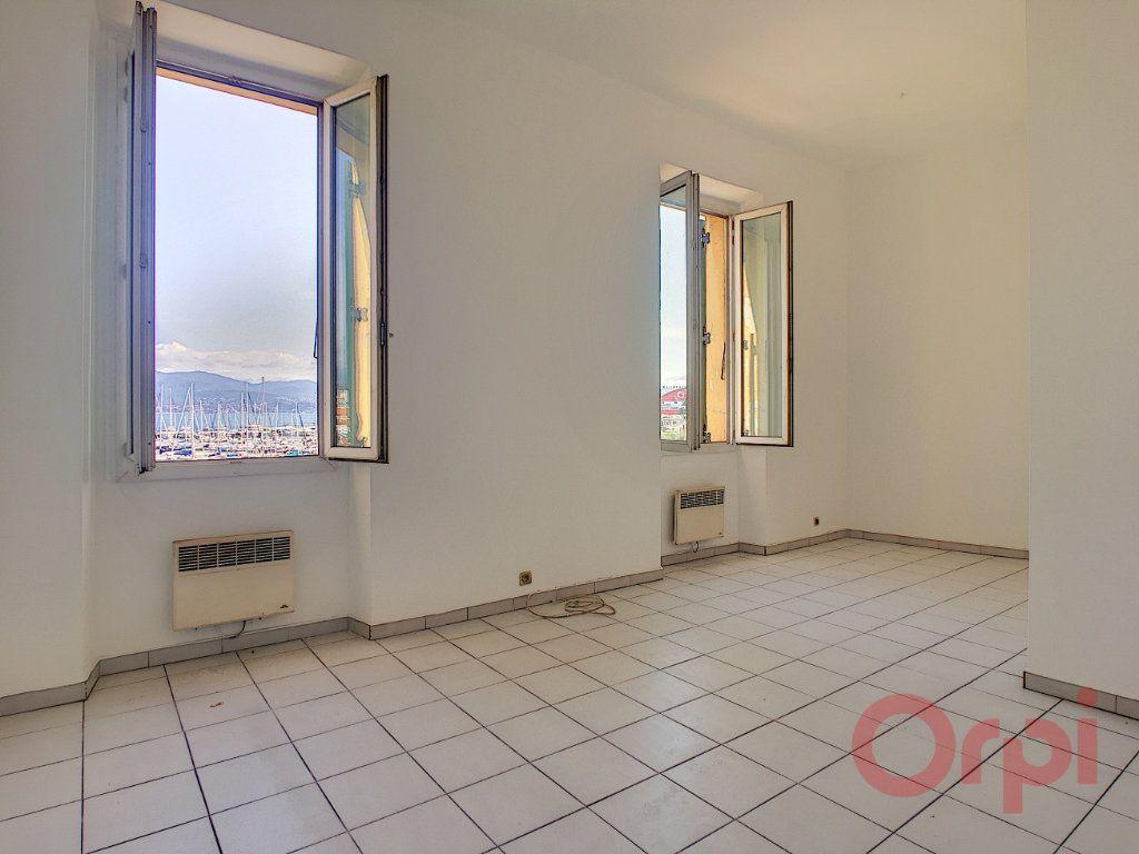 Appartement à louer 3 70m2 à Ajaccio vignette-1