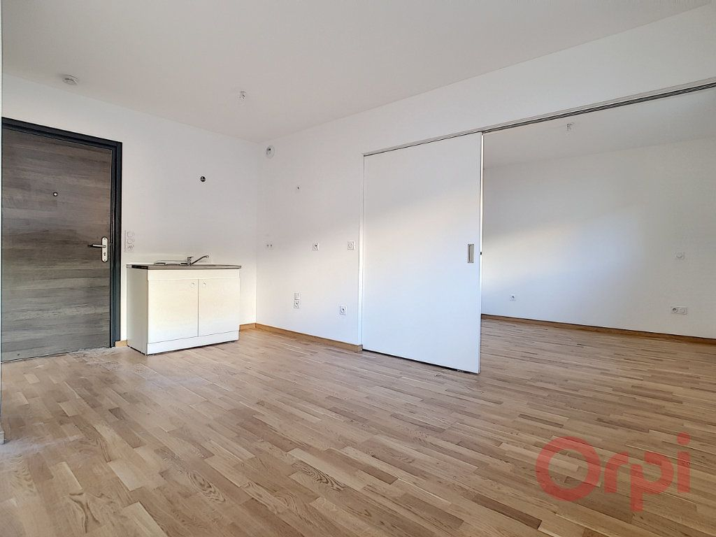 Appartement à louer 1 31.45m2 à Ajaccio vignette-3