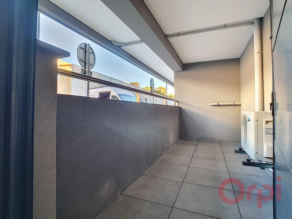 Appartement à louer 1 31.45m2 à Ajaccio vignette-7