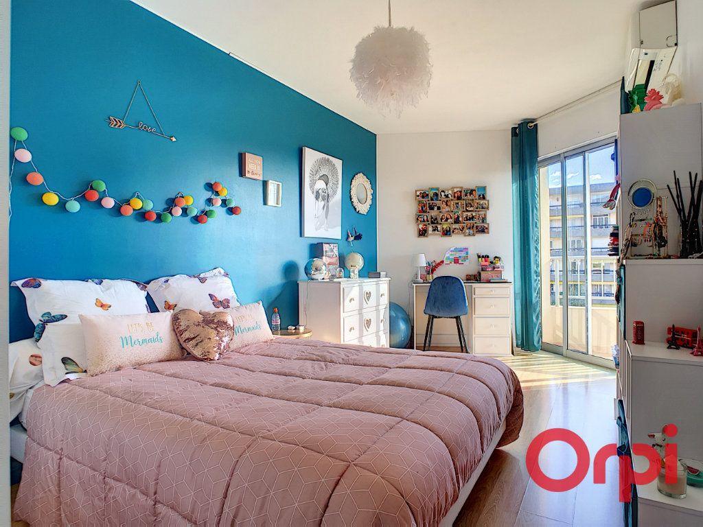 Appartement à vendre 4 98m2 à Ajaccio vignette-6
