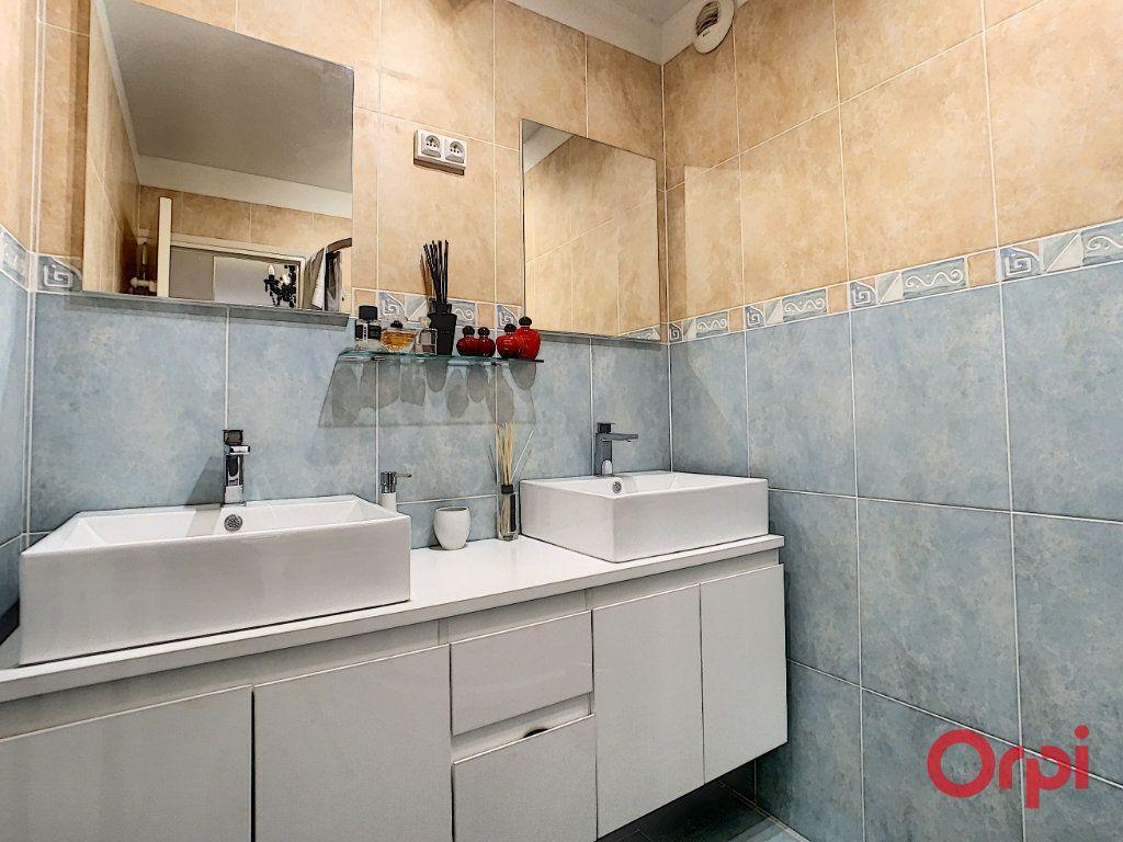 Appartement à vendre 4 128.45m2 à Ajaccio vignette-12