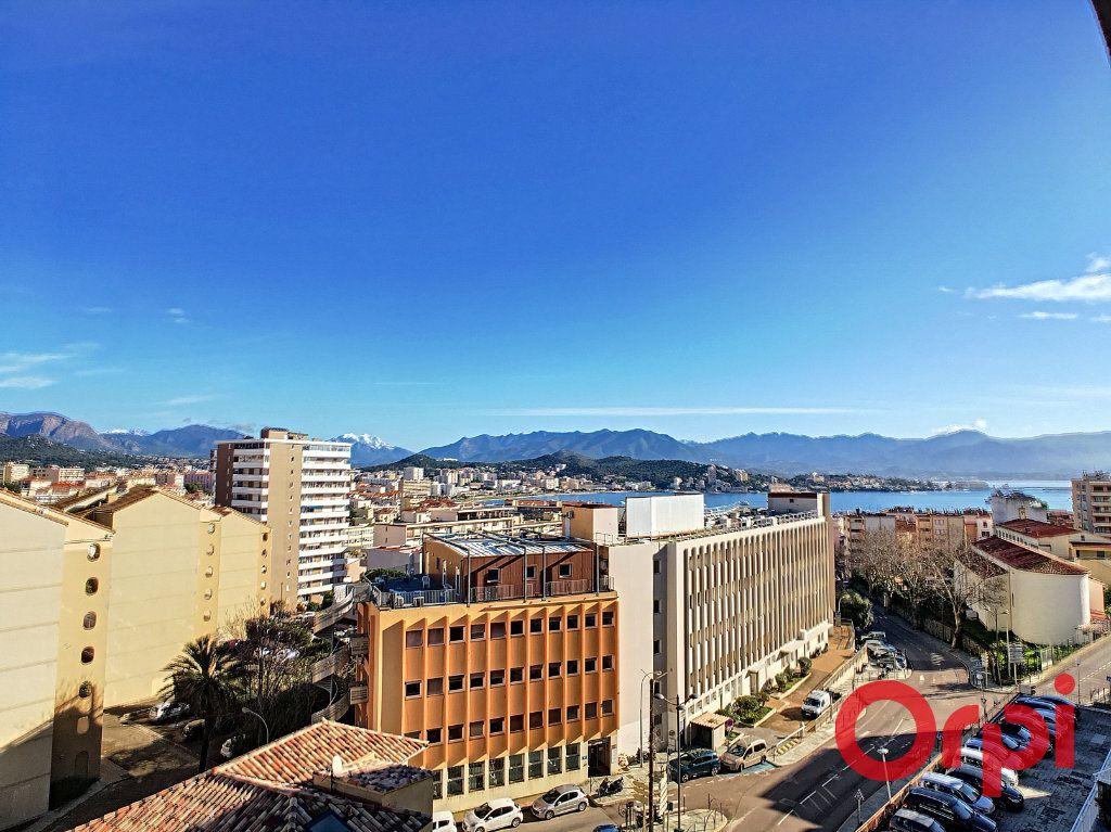 Appartement à vendre 4 99.42m2 à Ajaccio vignette-1