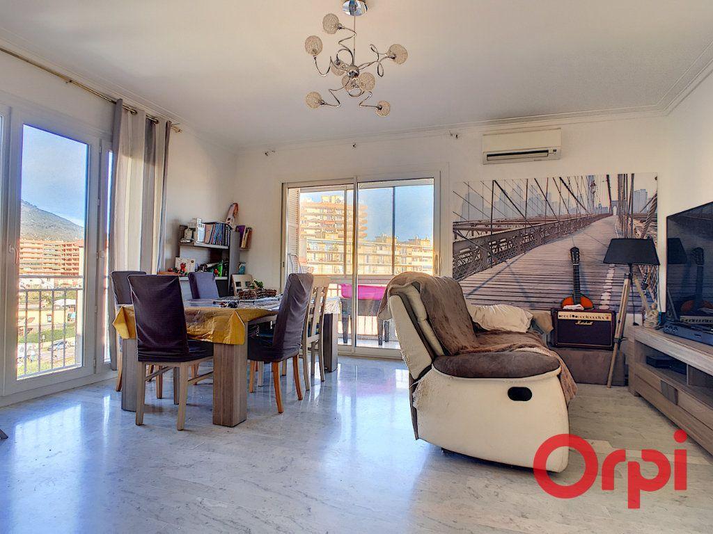 Appartement à vendre 4 99.42m2 à Ajaccio vignette-2