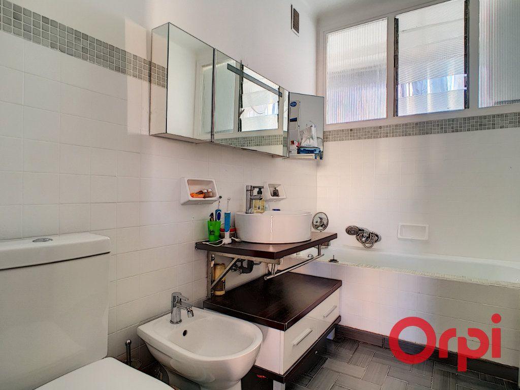 Appartement à vendre 4 99.42m2 à Ajaccio vignette-5