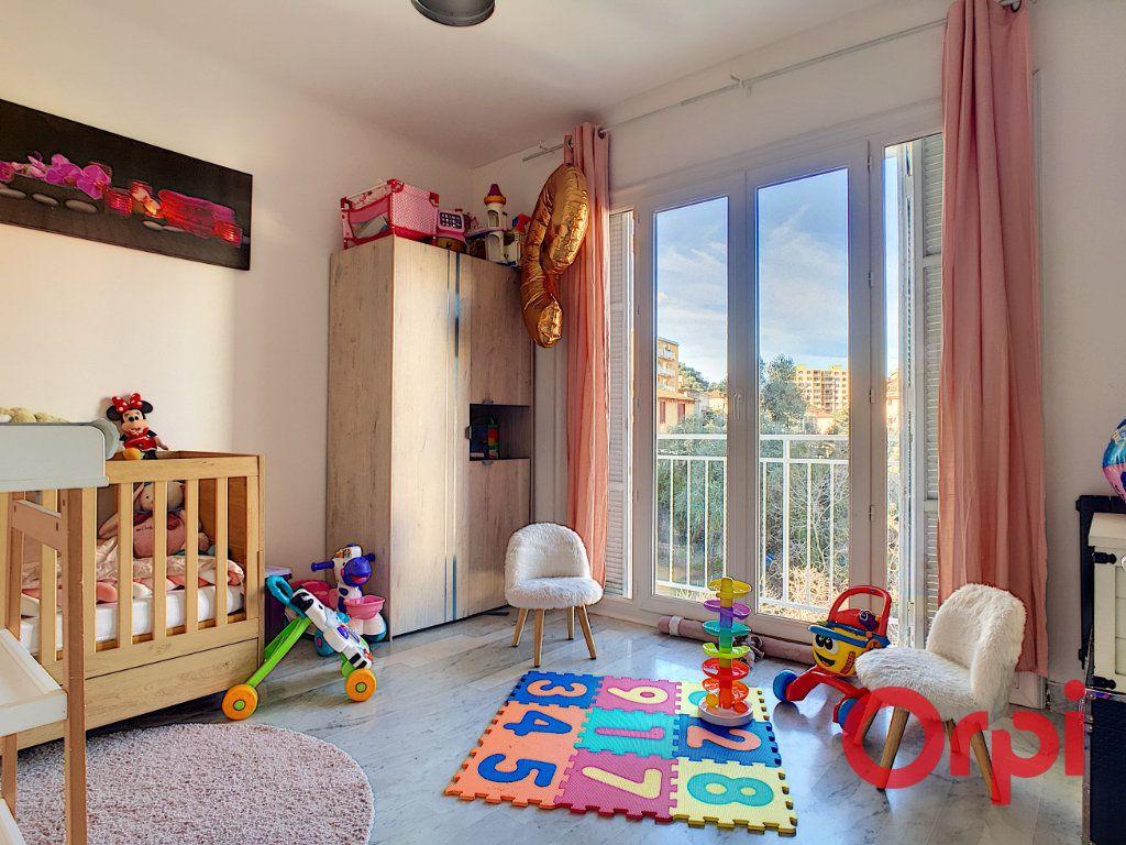 Appartement à vendre 4 99.42m2 à Ajaccio vignette-6
