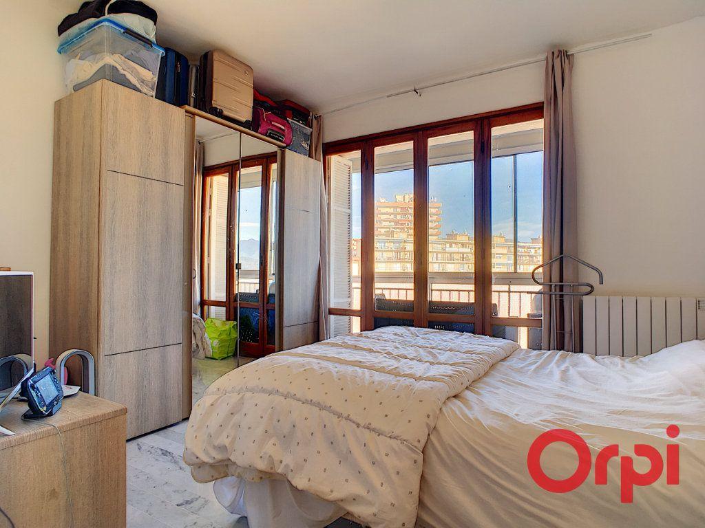 Appartement à vendre 4 99.42m2 à Ajaccio vignette-7