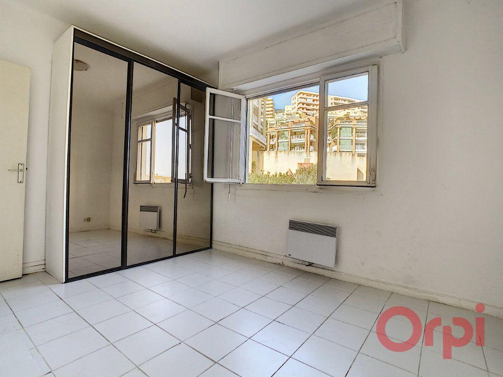Appartement à louer 2 45m2 à Ajaccio vignette-3
