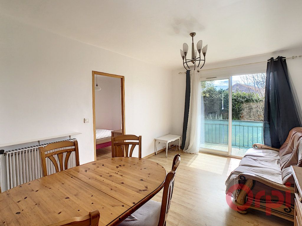Appartement à louer 3 55.93m2 à Ajaccio vignette-2