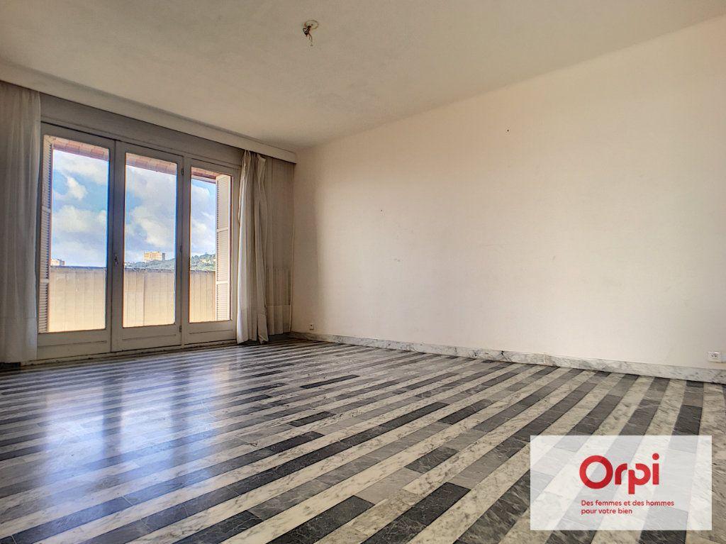 Appartement à vendre 4 98.41m2 à Ajaccio vignette-3
