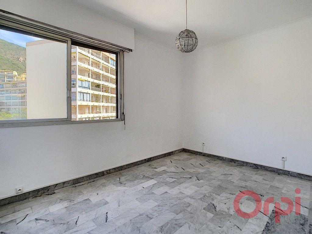 Appartement à louer 2 60m2 à Ajaccio vignette-4