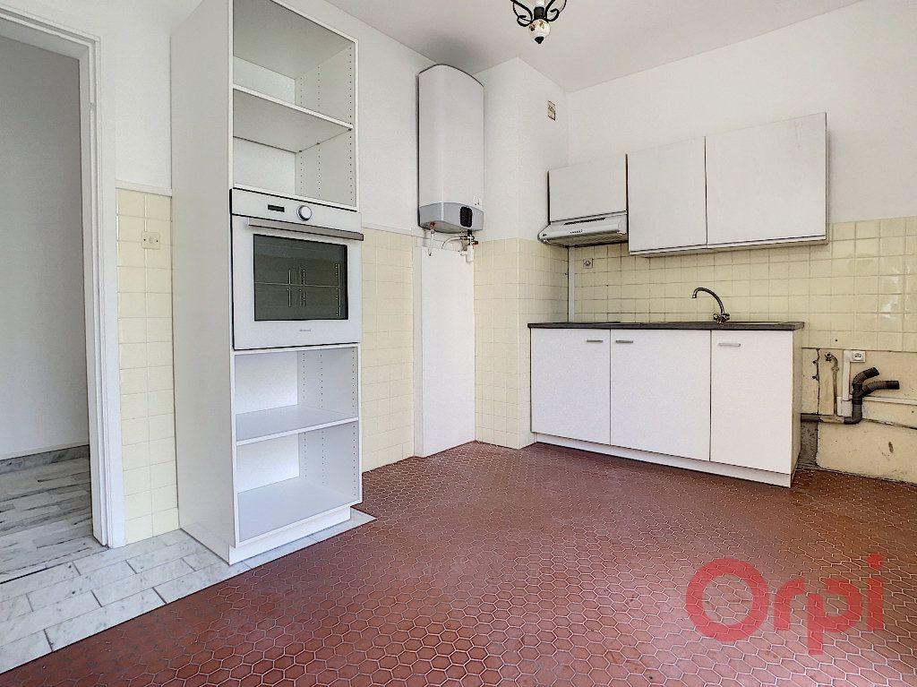 Appartement à louer 2 60m2 à Ajaccio vignette-6