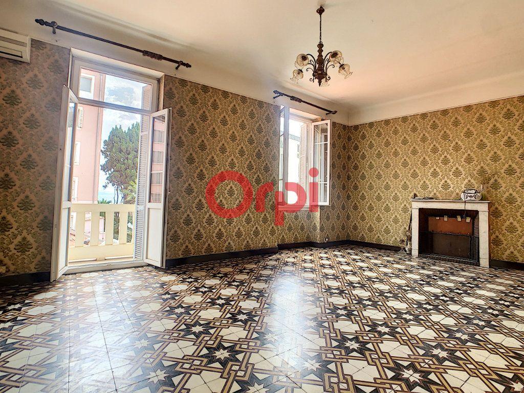 Appartement à vendre 3 85m2 à Ajaccio vignette-1
