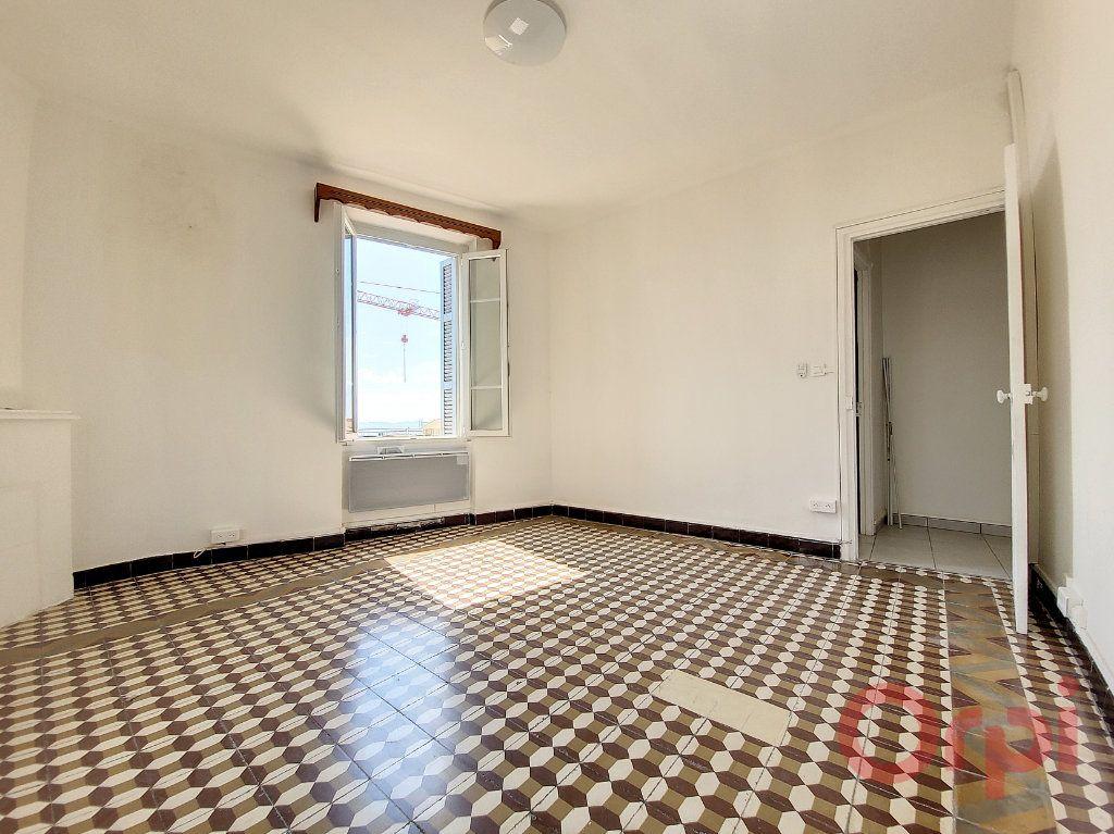 Appartement à louer 2 53m2 à Ajaccio vignette-2