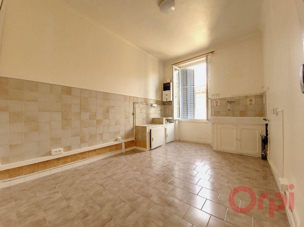 Appartement à louer 2 53m2 à Ajaccio vignette-4