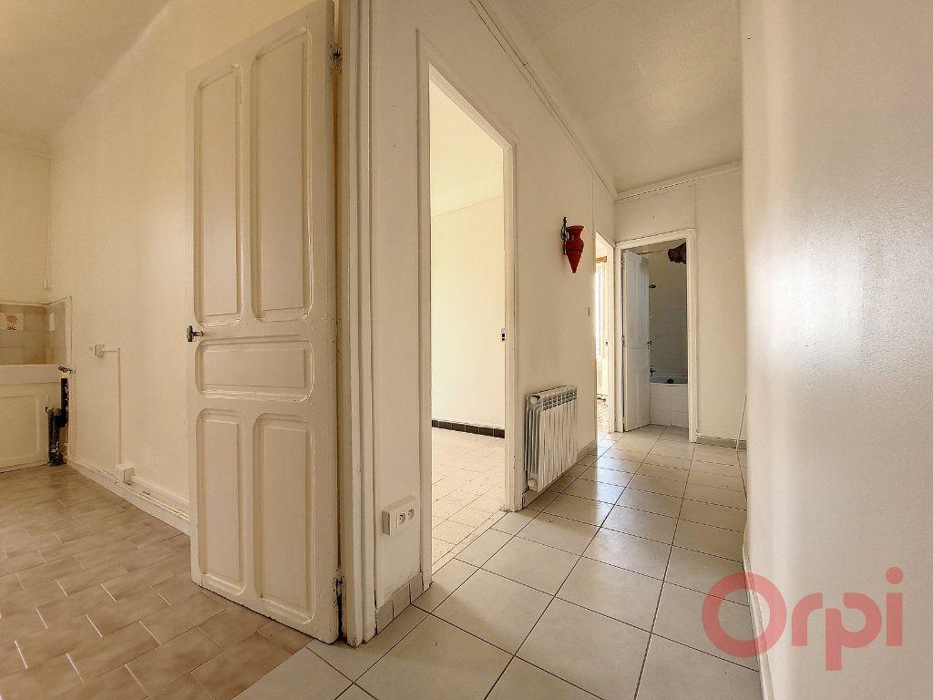 Appartement à louer 2 53m2 à Ajaccio vignette-5