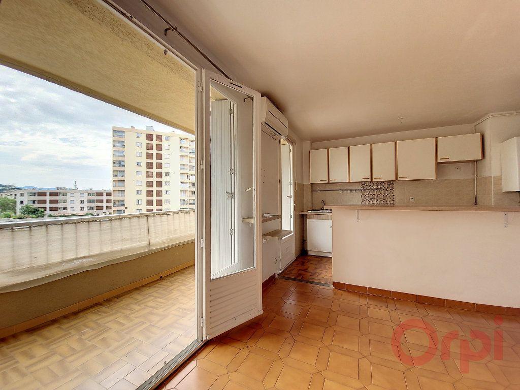 Appartement à louer 2 48m2 à Ajaccio vignette-4