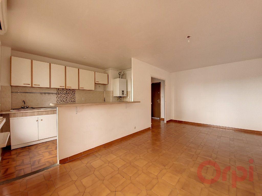 Appartement à louer 2 48m2 à Ajaccio vignette-5