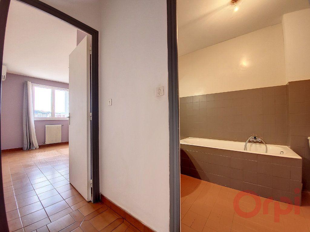Appartement à louer 2 48m2 à Ajaccio vignette-6