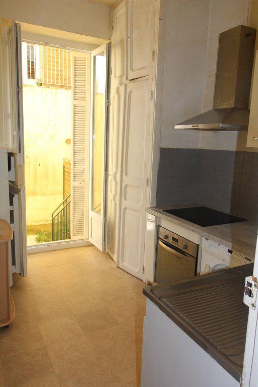Appartement à louer 2 38.43m2 à Ajaccio vignette-3