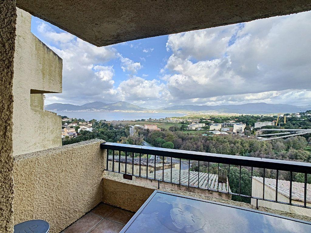 Appartement à vendre 2 31.52m2 à Grosseto-Prugna vignette-1