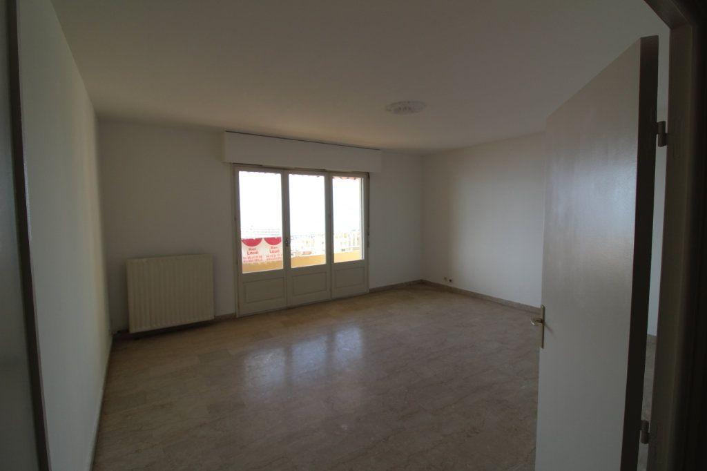 Appartement à louer 3 71m2 à Ajaccio vignette-2