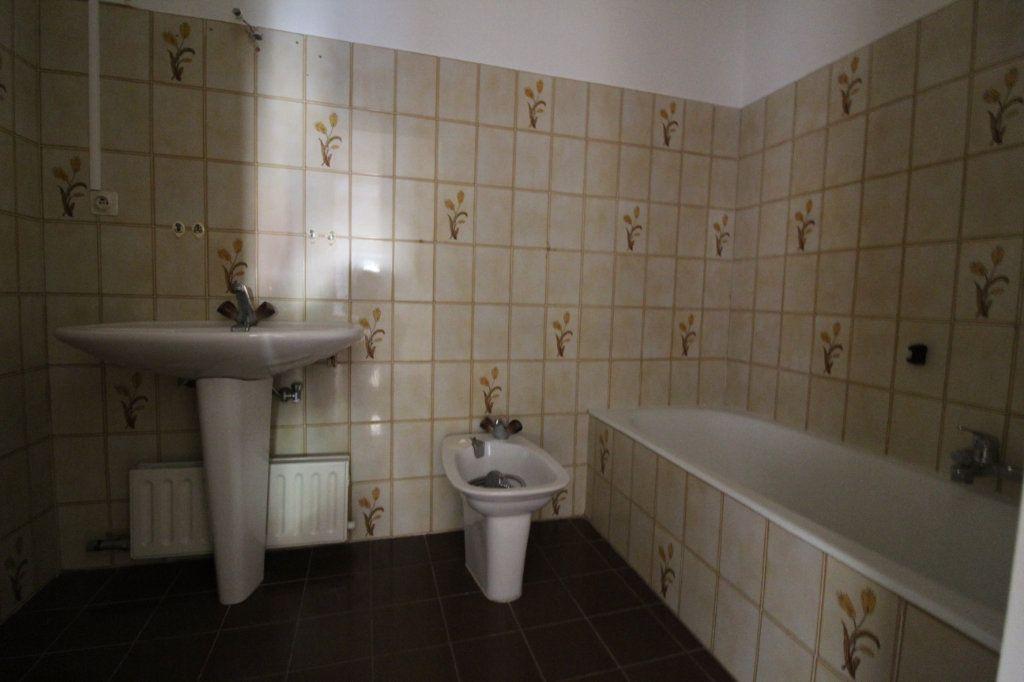 Appartement à louer 3 71m2 à Ajaccio vignette-7