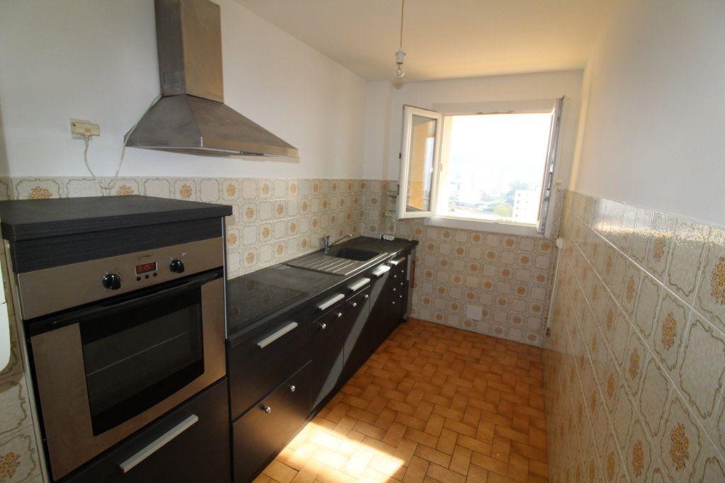 Appartement à louer 2 48m2 à Ajaccio vignette-1