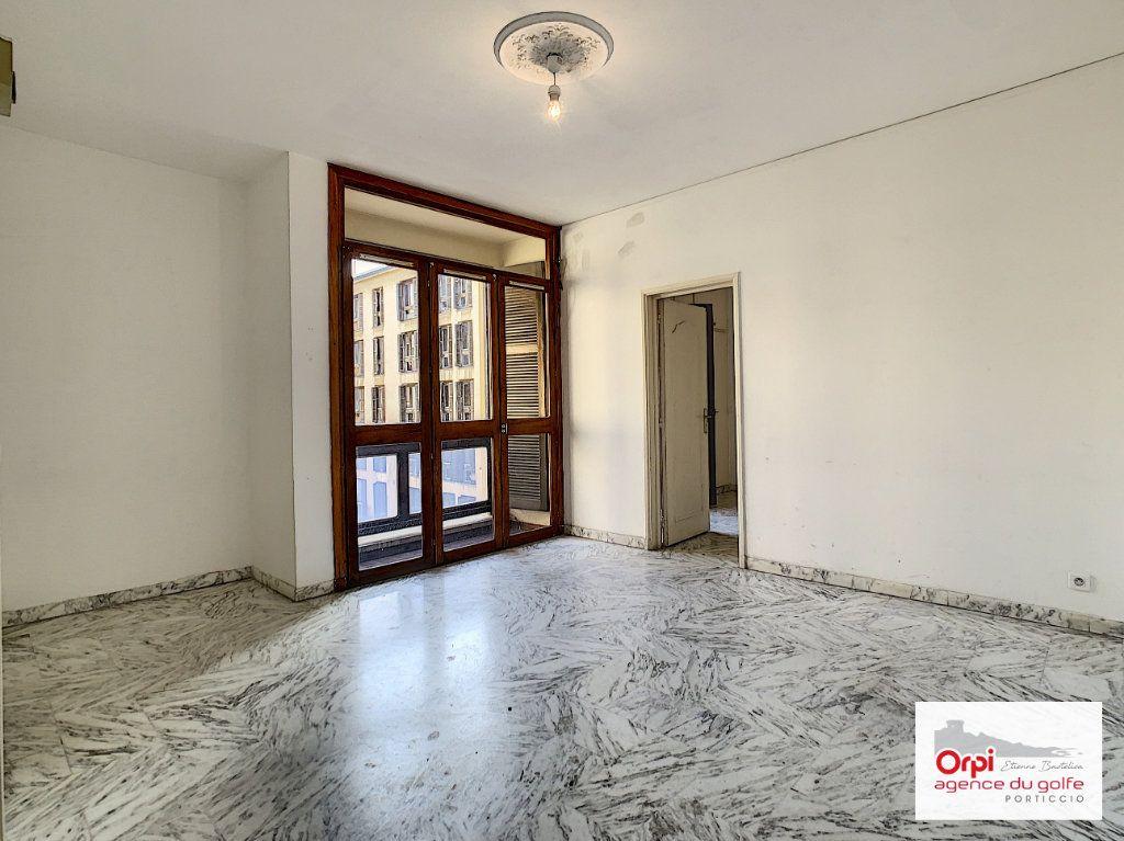 Appartement à louer 2 44m2 à Ajaccio vignette-4