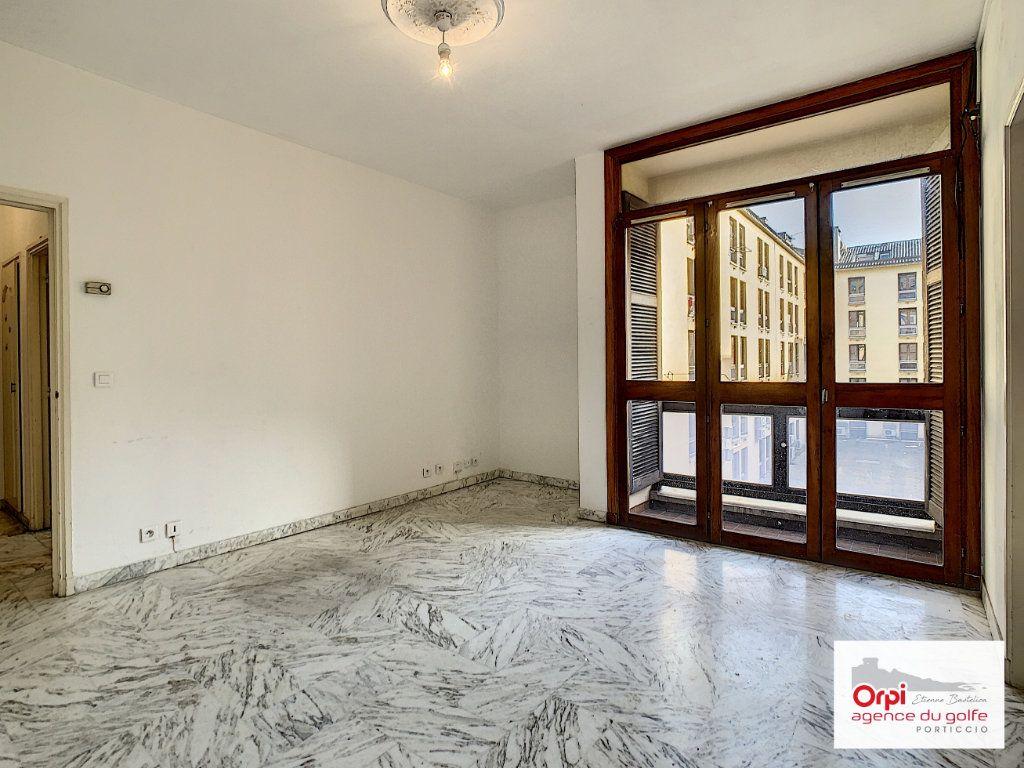 Appartement à louer 2 44m2 à Ajaccio vignette-7