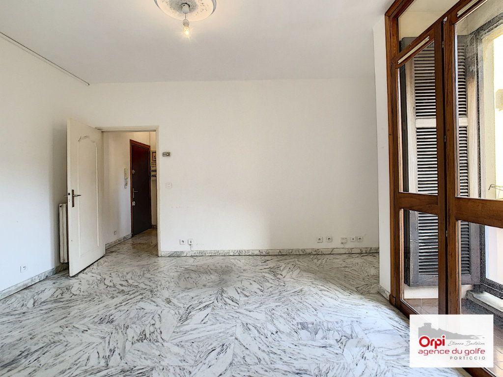 Appartement à louer 2 44m2 à Ajaccio vignette-8