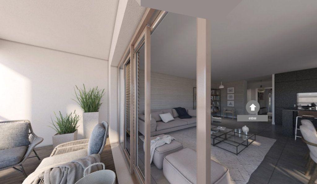 Appartement à vendre 4 92.21m2 à Ajaccio vignette-4