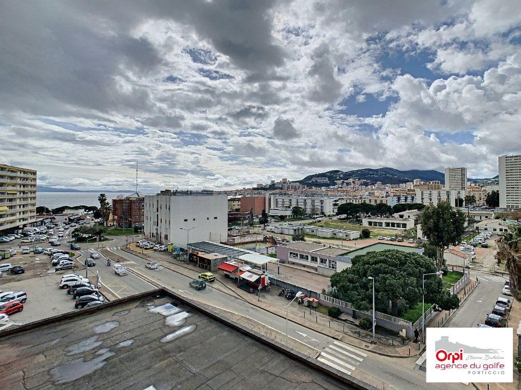 Appartement à vendre 3 73m2 à Ajaccio vignette-1