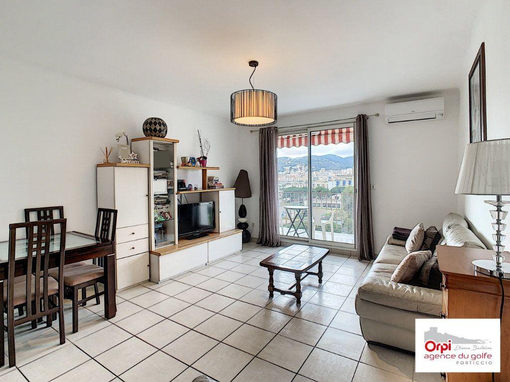 Appartement à vendre 3 73m2 à Ajaccio vignette-2