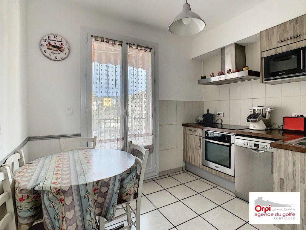 Appartement à vendre 3 73m2 à Ajaccio vignette-6